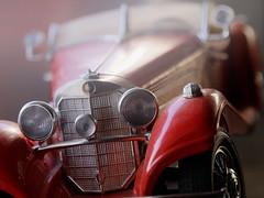 MERCEDEZ BENZ 500K ROADSTER  (1936) (FRANCO600D) Tags: hobby hmm macromondays macro contest auto modellino automodello mercedes mercedesbenz mercedesbenz500k roadster red rosso canon eos6dmarkii 6dmarkii canoneos6dmarkii canon6dmarkii franco600d burago
