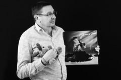 La nostalgie du vinyle - portrait n°32 (OMM.photographie) Tags: nb bw 5d eos portrait portraiture people studio canon5d canon5deos canoneos5d canon5deosmarkiv canon5dmarkiv 5dmarkiv blackandwhite blackwhite noiretblanc noirblanc