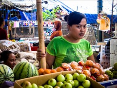 OM170578 Bali Traditional Market (Dave Curtis) Tags: bali market people workers 2014 em5 may omd olympus