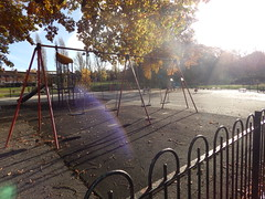 2018-11-14 10.23.21 (aimiecoltelli) Tags: downham grove park eltham south east london chrinbrook meadows railway station