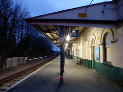 Shanklin Station (Alex-397) Tags: iow isleofwight england britain island uk train transport tube londonunderground islandline class483 1938stock travel