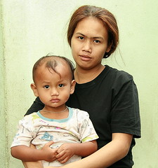 mother and son (the foreign photographer - ฝรั่งถ่) Tags: mother son top knot khlong thanon portraits bangkhen bangkok thailand canon