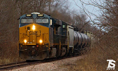 1/2 CSX 3297 Leads WB L571 Manifest near Austinville, IA 12-23-18 (KansasScanner) Tags: iowafalls ackley iowa bradford train railroad csx cn up iarr