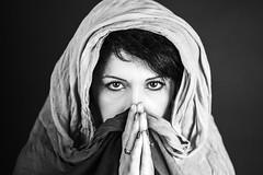 Girl from Lebanon (lele_photographer_italy) Tags: girl donna sguardi velo occhi eyes amazing mani shorthair