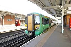 P1000918 (smith.rodney74) Tags: platform2 greenwhite castironbeams rails