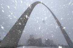 St. Louis Gateway Arch (1) (Michael Shoop) Tags: michaelshoop stlouis saintlouis missouri usa canon canon7dmarkii stlouisarch arch gatewayarch jeffersonnationalexpansionmemorial architecture winter snow