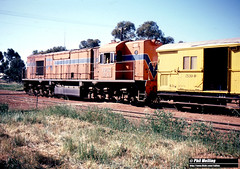 4042 RA1912 shunting Three Springs 7 October 1983 (RailWA) Tags: railwa philmelling westrail 1983 ra1912 three springs