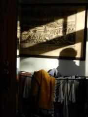 Mirror shot with my shadow, laundry and Berlin picture (John Steedman) Tags: london uk unitedkingdom england イングランド 英格兰 greatbritain grandebretagne grossbritannien 大不列顛島 グレートブリテン島 英國 イギリス ロンドン 伦敦