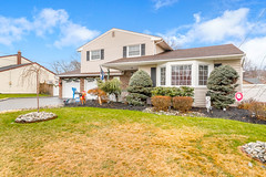 D75_5812 (njhomepictures) Tags: 08846 85louisave century21goldenpostrealty middlesex middlesexcounty nj njhomes njrealestate njrealestatephotographer njrealestatephotography parealestate photographybystephenharris rivertownphotography somersetcounty shirlee colanduoni