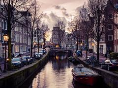 A0153080 (rpajrpaj) Tags: amsterdam city netherlands nederland nederlandvandaag bluehour thebluehour cityscape citylights