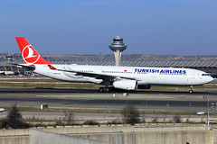 Turkish Airlines  Airbus A330-343E TC-JNI (widebodies) Tags: madrid mad lemd widebody widebodies plane aircraft flughafen airport flugzeug flugzeugbilder turkish airlines airbus a330343e tcjni