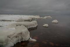 IMG_9092_edit (SPihtelev) Tags: ладога ленинградская область озеро зима лед льды вода маяк