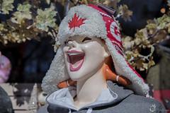 DEC18_001-8820 (DAN PHOTOGRAFIX) Tags: hat chapeau canadian canadien maple leaf feuille erable quebec québec smile sourire souriante canon eos 6d reflex rehel stmichel