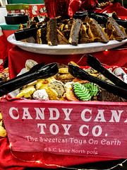 (cafe_services_inc) Tags: cafeservicesinc comcastnewcastle holidayparty holiday2018 cookies chocolate dessert