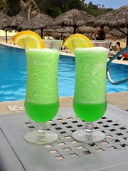 Twins (knightbefore_99) Tags: mexico mexican huatulco tropical cool best nice food delicious oaxaca dreams art green vert verde two pair twins pool drink rum