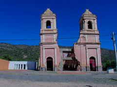 Iglesia destruida por un terremoto en La Rioja, Argentina.  Eglise détruite par un tremblement de terre à La Rioja, en Argentine. (alejaviveg) Tags: iglesia church terremoto azul