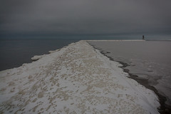 IMG_9031_edit (SPihtelev) Tags: ладога ленинградская область озеро зима лед льды вода маяк