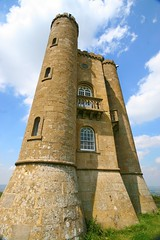 Broadway Folly (Heaven`s Gate (John)) Tags: broadway tower folly worcestershire england architecture johndalkin heavensgatejohn beacon hill ladycoventry cotswolds blue sky clouds sunshine stone castle