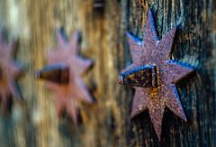 Puerta Estrellada (Walimai.photo) Tags: puerta door detail detalle star estrella metal wood madera robledillodegata cáceres extremadura spain españa nikon d7000 helios 44m4