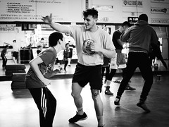 GFX0212 - Sparring (Diego Rosato) Tags: sparring allenamento training xwinter boxelatina boxe boxing bianconero blackwhite fuji gfx50r fujinon gf63mm rawtherapee pugilato