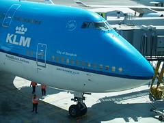 "KLM Boeing 747 (PH-BFB) ""City of Bangkok"" at San Francisco 16 september 2008 (Remco van den Bosch 72) Tags: klm klmboeing747 boeing toestel 747406 cityofbangkok sanfrancisco phbfb royaldutchairlines vliegtuig vliegveld aircraft airport airplane sfo sanfranciscoairport corendonvillagehotel"