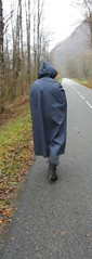 BlueVinylCape-16 (rainand69) Tags: cape umhang cloak pèlerine pelerin peleryna raincape regencape