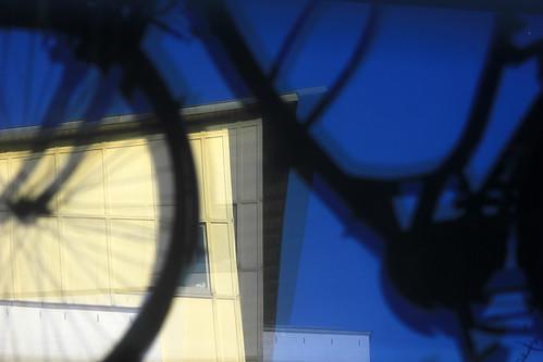 "Kellerfenster (01) • <a style=""font-size:0.8em;"" href=""http://www.flickr.com/photos/69570948@N04/44269526000/"" target=""_blank"">View on Flickr</a>"