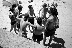 teenagers, Manly beach, Sydney summer 2018  #628 (lynnb's snaps) Tags: apx100 rodinal xa4 film 2018 manlybeach olympusxa4 zuiko28mmf35macro bw beach manly street sydney australia people sand coast teenagers group social gesture