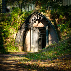 Adolf's crypt (Shumilinus) Tags: 2018 35mmf18 landscape nikond300s saintpetersburgrussia crypt architecture park grass autumn