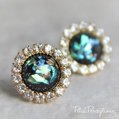 Need an inexpensive gift? Gorgeous black and gold earrings! #forher #jewelry https://t.co/pLoAWRXaOo https://t.co/MfmQUruGgu (petalperceptions.etsy.com) Tags: etsy gift shop fashion jewelry cute