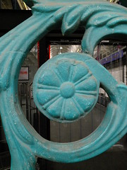 Iron Curl (failing_angel) Tags: 210718 london cityoflondon farringdon smithfield farringdonwithout