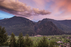 Cala la sera (cesco.pb) Tags: valtellina lombardia lombardy alps alpi tramonto sunset montagna mountains canon canoneos60d tamronsp1750mmf28xrdiiivcld ardenno