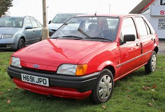 H691 JPD (Nivek.Old.Gold) Tags: 1991 ford fiesta 11 popular plus 5door crimble staines