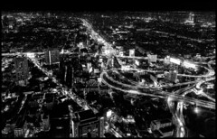 Night Bangkok / Ночной Бангкок (dmilokt) Tags: город city town небоскреб skyline башня tower dmilokt чб bw черный белый black white