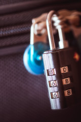 866 (amjs63) Tags: safety macromondays 105mm candado combinación macro