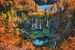 Autumn Bliss (TranceVelebit) Tags: hrvatska croatia lika plitvice plitvickajezera plitvicelakes plitvicenationalpark plitvicenp plitvičkajezera dinaricalps dinaridi mountain mountains mountainscape water waterfall waterfalls lake lakes forest forests forested light golden hour autumn color colors long exposure