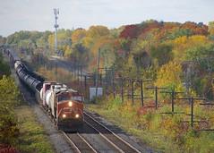 CN 368 (Michael Berry Railfan) Tags: cn2268 cn368 cn canadiannational train freighttrain ge generalelectric gevo es44dc beaconsfield montreal kingstonsub
