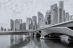Singapore - misty morning (Rafael Zenon Wagner) Tags: singapur beton brücke fluss wasser spiegelung licht strahl schwarz weiss nikon d810 28mm bw sw singapore concrete bridge river water reflection light ray black whit