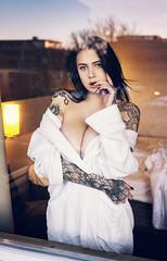 Der Tag neigt sich dem Ende zu (TheGrainyPicture) Tags: model portrait cleavage boobs boobies brüste tits tätowiert tattoo blackhair sunset sonnenuntergang bayern münchen munich bavaria sexy sinnlich sensual breasts hotel talanina janefay tattoomodel nikon d800 nikkor nikkorafs2470mmf28ged female weiblich beauty
