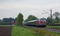 Unter Fahrdraht (Klaus Z.) Tags: eisenbahn kbs 395 nortmoor br v200 033 personenzug sonderzug hammereisenbahnfreunde diesellok frühling
