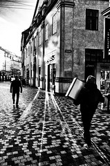 Images on the run.... (Sean Bodin images) Tags: ricohgr ricohgrii ricohgr2 grsnaps grist streetphotography streetlife seanbodin streetportrait copenhagen citylife candid city citypeople købmagergade københavn 2019 photojournalism people photography