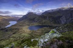 Tryfan, Llyn Idwal & Llyn Ogwen (Gav Hardie) Tags: snowdonianationalpark cymru llynidwal tryfan llynogwen gavhardie gavinhardie northwales mountains lakes