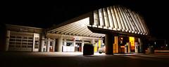 At night (Steenjep) Tags: herning jylland jutland danmark denmark nat night bygning building tankstation gasstation arkitektur jørnutzon utzon unox bilvask carwash architecture construction tag roof architect