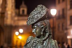 La Regenta. Oviedo. (David A.L.) Tags: asturias oviedo uviéu laregenta anaozores clarín estatua noche nocturna luz asturies