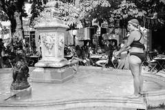 Avignon F'estival (regis.grosclaude) Tags: festival avignon bw blackandwhite noiretblanc street piscine fontaine natation