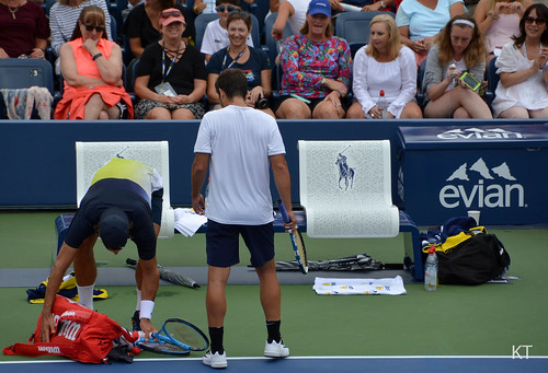 Feliciano Lopez - Front row ladies admiring the view