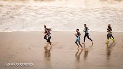 calentando (susodediego ) Tags: surf playa beach arena mar espuma oceano atlantico surfzone lascanteras grancanaria canaryislands olympusem10markii mzuiko60mmf28macro susodediego thegalaxy
