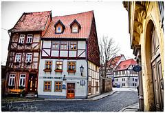 1660 (r.wacknitz) Tags: quedlinburg harz historic fachwerk architektur altstadt winter januar street strasse nikond3400 tamron18200 sachsenanhalt halftimbered gebäude himmel