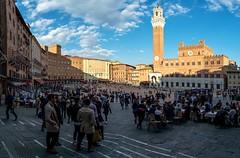 Piazza del Campo - review (Andreas.W.) Tags: siena toscana toskany toskana samyang12mm fujifilm piazzadelcampo