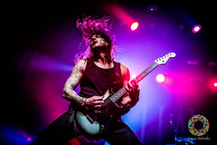 As I Lay Dying-8 (Paradise Through a Lens) Tags: 013poppodium 2 2december 2december2018 2018 asilaydying charvalguitar charvel charvelguitar gitaar gitarist guitar guitarra guitars paradisethroughalens philsgrosso sandiego tour vanhoucke yngwie california charvelguitars concert d850 december gig guitarist hardcore metal nikon nikond850 optreden punk rock show stage tilburg